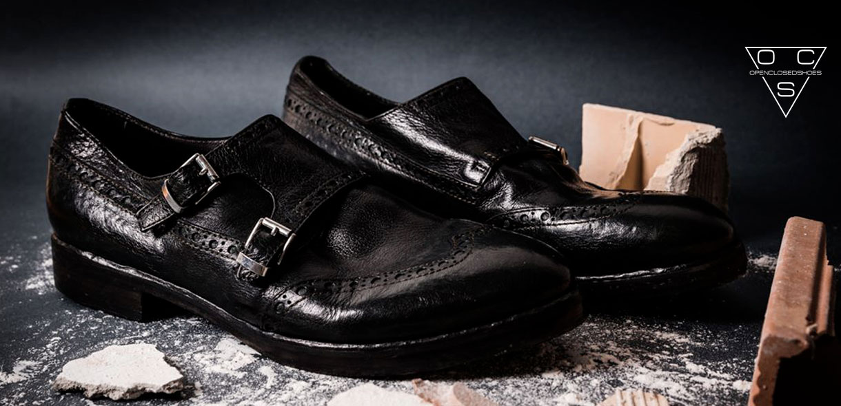 Bresci: OpenClosed Shoes